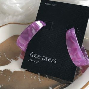 Free Press Purple 30mm Lucite Hoop Earrings. NWT